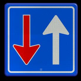 Verkeersbord Bestuurders uit tegengestelde richting moeten het verkeer, dat van deze richting nadert, door laten gaan Verkeersbord RVV F06 - Tegenligger moet wachten F06 Wegversperring, tegeovergestelde richting, voorrang, F6, gebodsbord