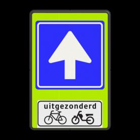 Verkeersbord Eenrichtingsweg uitgezonderd fietsers en bromfietsers Verkeersbord RVV C03 - OB54 - Eenrichtingsweg met uitzondering - fluor achtergrond C03-OB54f C03, Onderbord OB 54 - uitgezonderd (brom)fietsers, Verplichte rijrichting, eenrichtingsweg
