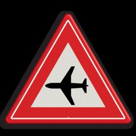 Verkeersbord Vooraanduiding laagvliegende vliegtuigen Verkeersbord RVV J30 - Vooraanduiding laagvliegende vliegtuigen J30 let op, pas op, vliegverkeer, vliegveld, J30, luchthaven