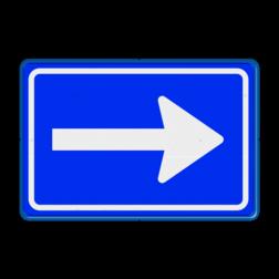 Verkeersbord Eenrichtingsweg volg verplichte rijrichting Verkeersbord RVV C04 - Eenrichtingsweg (volgen) C04 rijrichting, eenrichting, bord met pijl, vierkant bord met pijl, blauw bord met pijl, c4, verplichte rijrichting