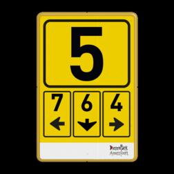 Routebord naar parkeerterrein of poort/ingang + logo dierenpark, amersfoort, poortnummer, gate, wegwijzer