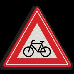 Verkeersbord Je nadert een (brom)fietsers oversteekplaats Verkeersbord RVV J24 - Vooraanduiding oversteekplaats (brom-)fietsers J24 let op, pas op, fietsen, brommer, oversteken, J24, fietsers, bromfietsers